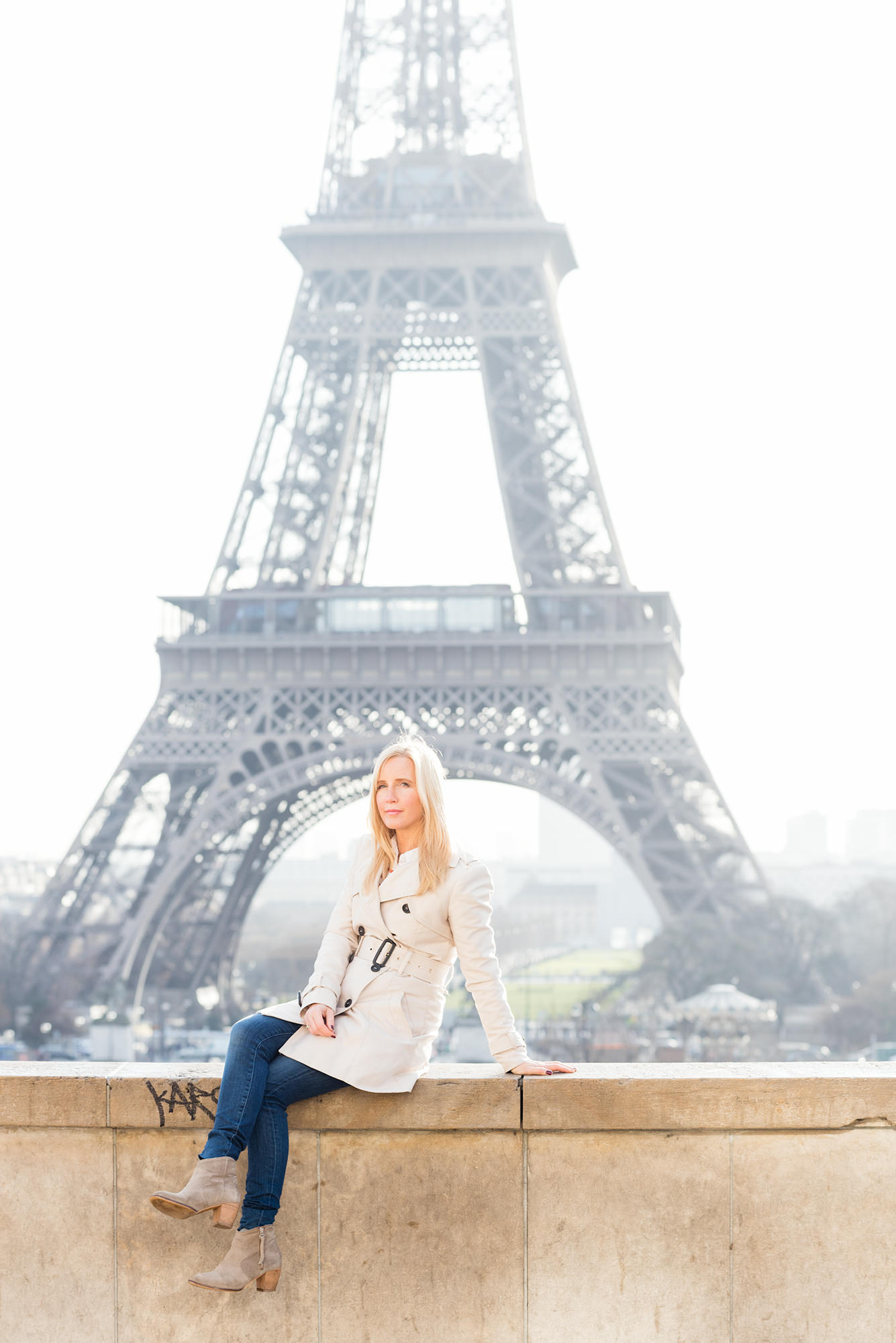 trench-coat-fashion-paris